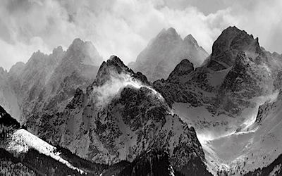 mac wallpaper misty mountain